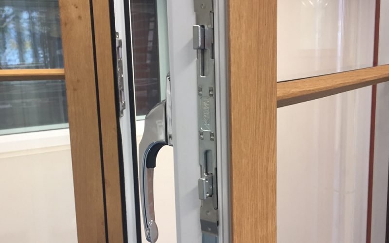 Frame Fast Modus windows with multipoint locking