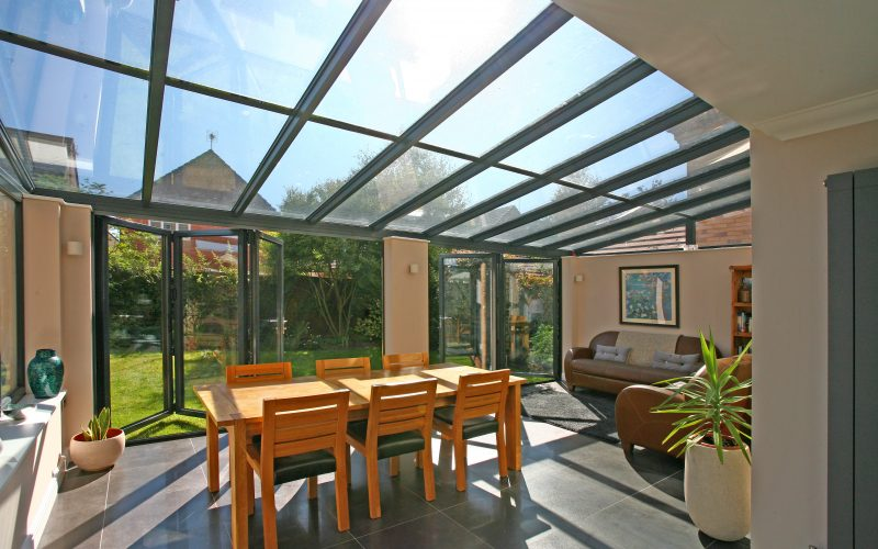 Aluminium bifold doors and roof in Derby