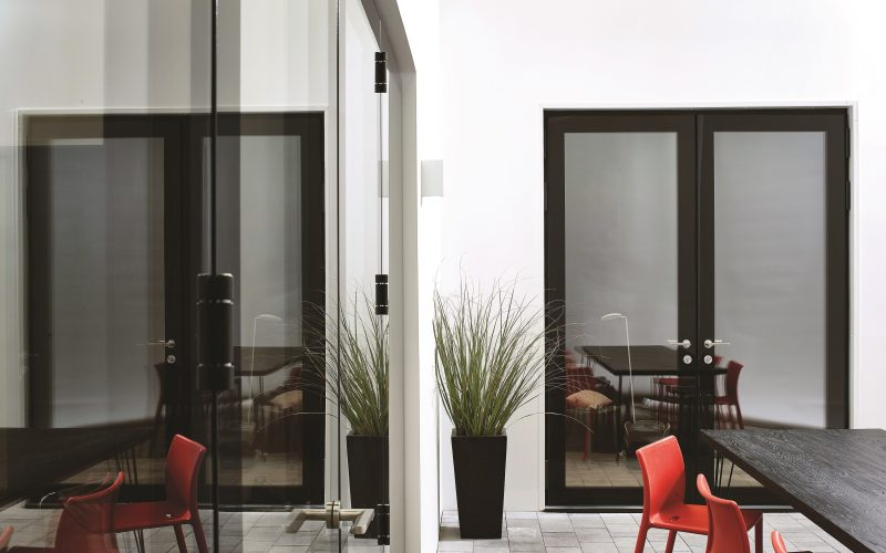 Lumi 2pane OPEN OUT French doors